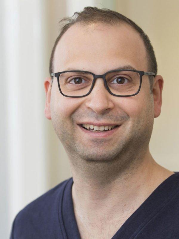 Ghais Issa / Zahnarzt, Fachzahnarzt für Oralchirurgie, Parodontologie, Implantologie